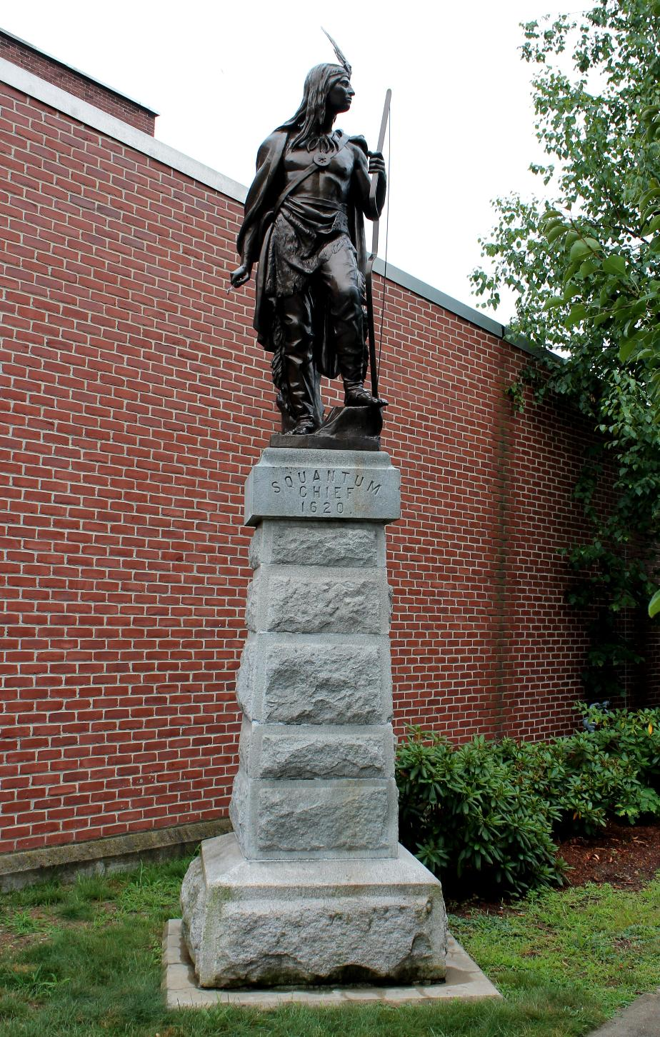 Squantum Indian Chief Statue - Tilton NH