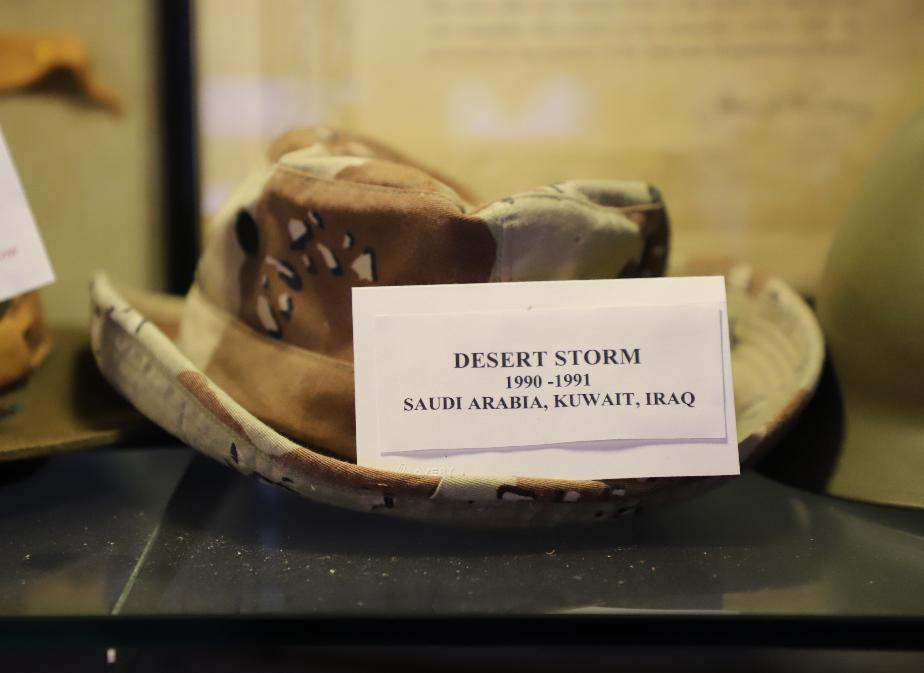 NH State Veterans Cemetery Display Case - Desert Storm Hat